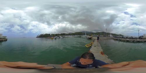 Fishing off O'ahu's He'eia Kai Pier - a 360 degree Equirectangular VR