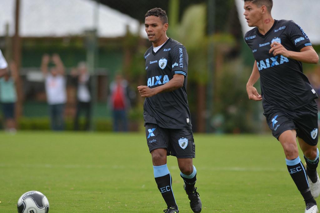 Gustavo Oliveira_008