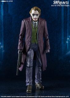 「你使我變得完整。」 S.H.Figuarts 小丑  (黑暗騎士Ver.)  ジョーカーバットマン(The Dark Knight)