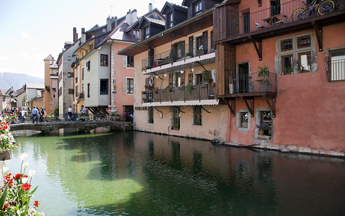 Buildings along Thiou canal