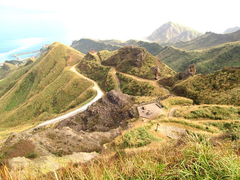 從茶壺山涼亭旁往登山口拍。