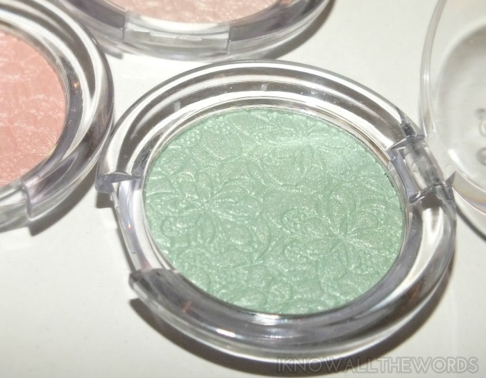essence bloom me up! mono shadow- 03 blow my mint