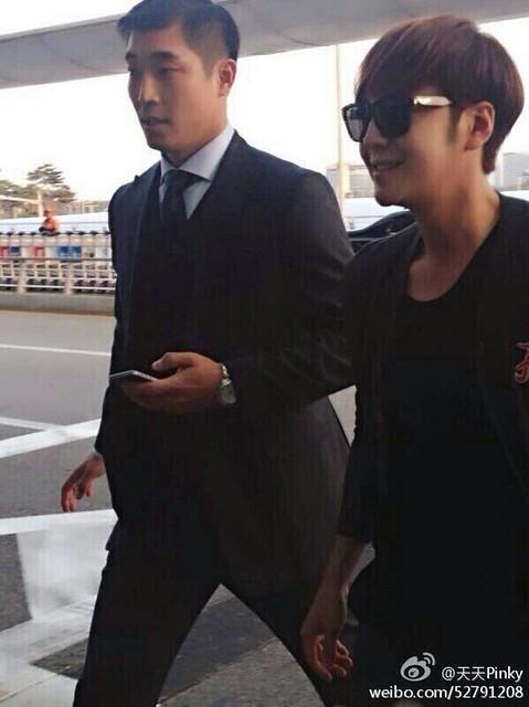 [Pics] JKS departs from Seoul to Beijing_20140425 14019396905_75947af9da_z