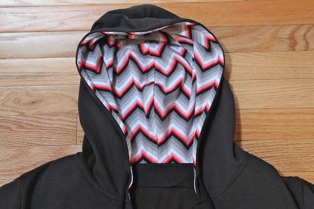 Vogue 8951 Hood Detail