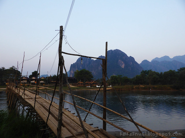 01 Pha Poak Footbridge Outside of Town