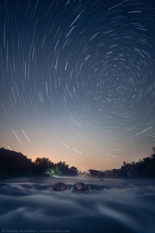 Star tracks over Southern Bug river