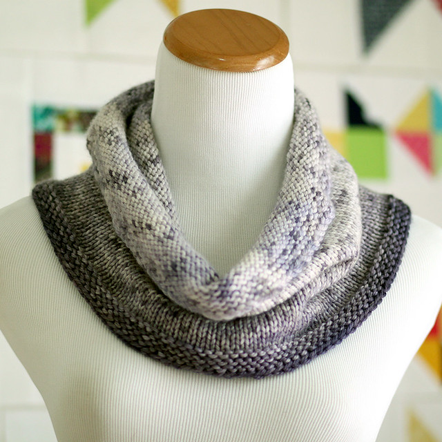 Speckled Gradient Cowl