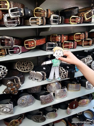 Flat-Stanley-shopping-for-belts