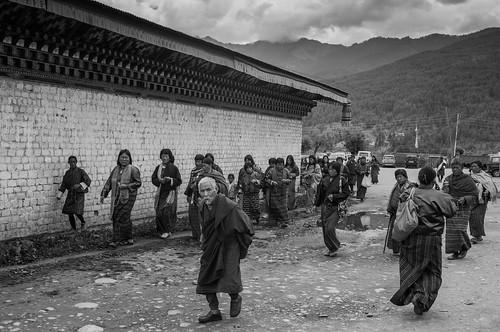Pilgrims at Jambay Lakhang