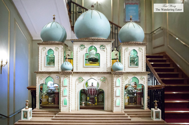 A mini Taj Mahal display for the teas