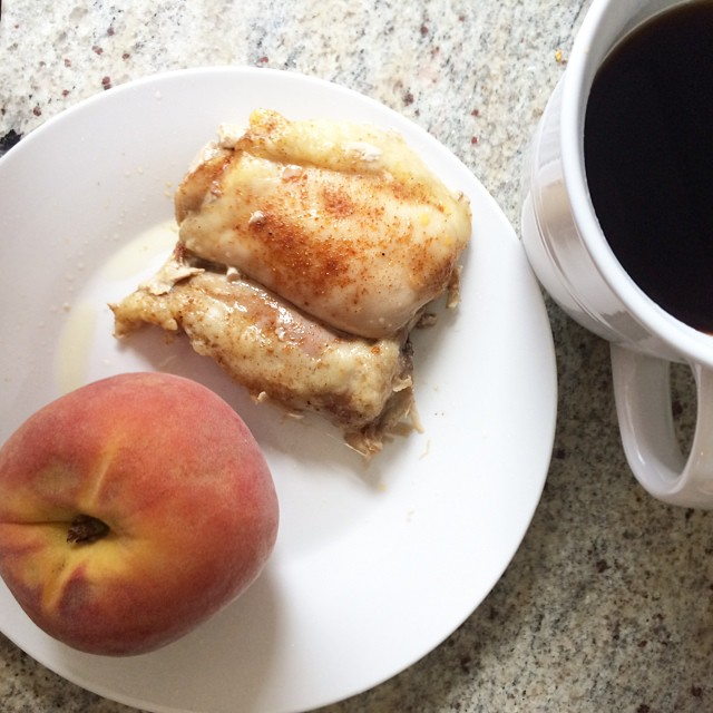 Day 17, #whole30 - breakfast (leftover chicken thigh, peach, & black coffee)