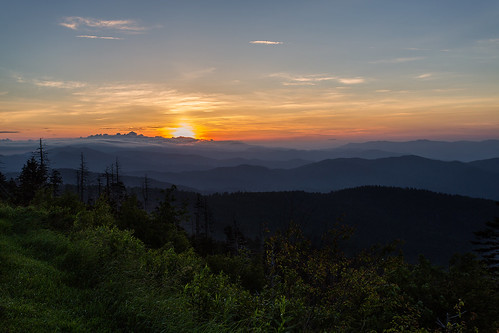 morning sky sun mountain beauty sunshine fog clouds forest sunrise dawn daylight tennessee hill radiance northcarolina ridge highland appalachian cascade smokies magichour smokymountains clingmansdome newfoundgap
