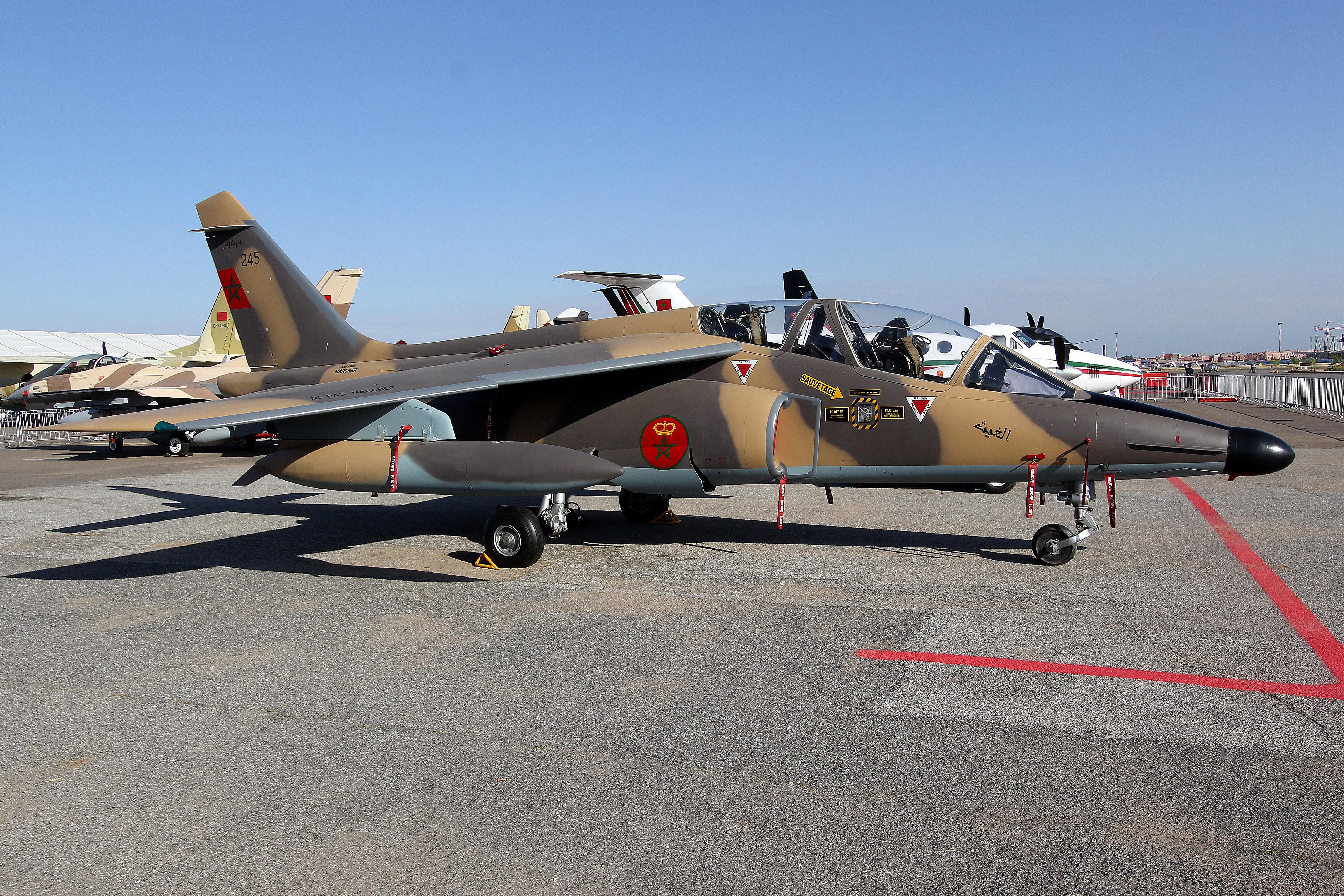 FRA: Photos avions d'entrainement et anti insurrection - Page 7 14475305752_951e946d07_o