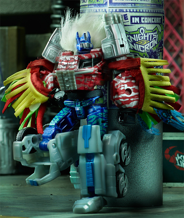 SDCC-2014-Hasbro-Transformers-30th-Anniversary-Knights-of-unicron-Set-Exclusive-005_3