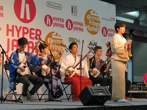 Hibiki Ichikawa, Akari Mochizuki and friends on the HYPER JAPAN fringe stage