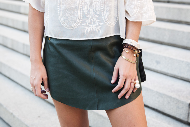 Snake_Sandals-Green_Skirt-Lace_Top-Outfit-Street_Style-23
