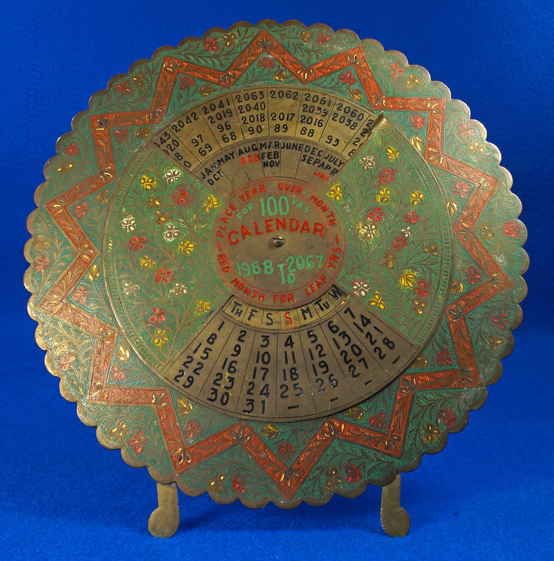 RD15284 Vintage Enameled Brass Perpetual Desk Calendar 100 Years 1968 - 2067 Circular with Stand DSC09026