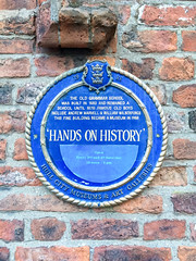 Photo of William Wilberforce and Andrew Marvell blue plaque