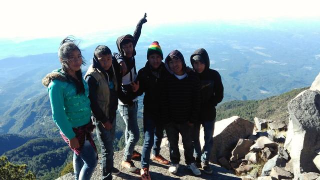 Victoria Elizabeth, Domingo, Andrés, Miguel, Lucas y Uriel del Barrio Bijahual en la cima del Volcán Tacaná. Barrio Bijahual, Pavencul, Tapachula, Chiapas (México). Bijahual (Bijahual