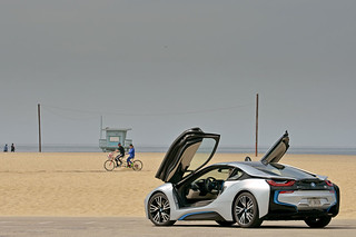 BMW-2014-i8-on-the-road-28