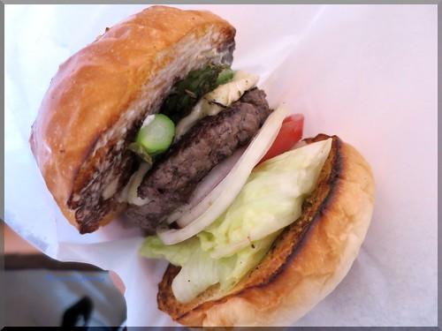 Photo:2014-05-07_ハンバーガーログブック_【恵比寿】Burger Mania Ebisu(バーガーマニア恵比寿) 季節の野菜アスパラを合わせました!-07 By:logtaka