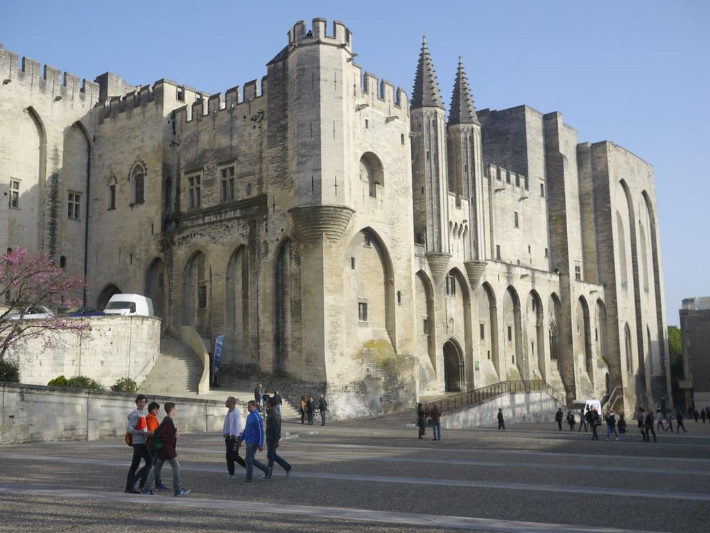 related image - Avignon - 2014-04-05- P1810010