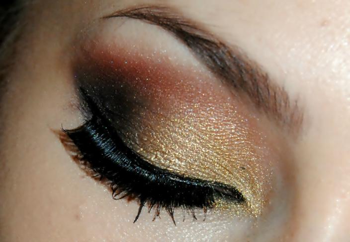 Gold Makeup (2)