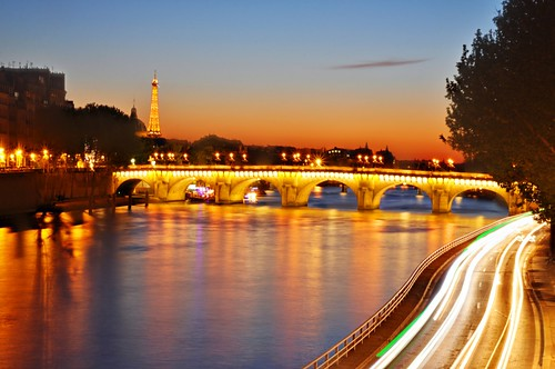 bridge sunset orange paris color eye seine night reflections river lights golden eiffeltower trails toureiffel getty nuit goldenhour pontneuf gettyimages seineriver sizun ruby10 ruby15 sizuneye