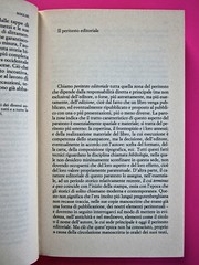 Soglie, di Gérard Genette. Einaudi 1989. Responsabilità grafica non indicata [Munari]. Incipit di un capitolo: pag. 17  (part.), 1