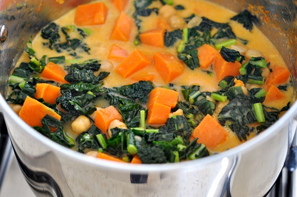 Sweet Potato, Chickpea & Cavolo Nero Curry | www.fussfreecooking.com