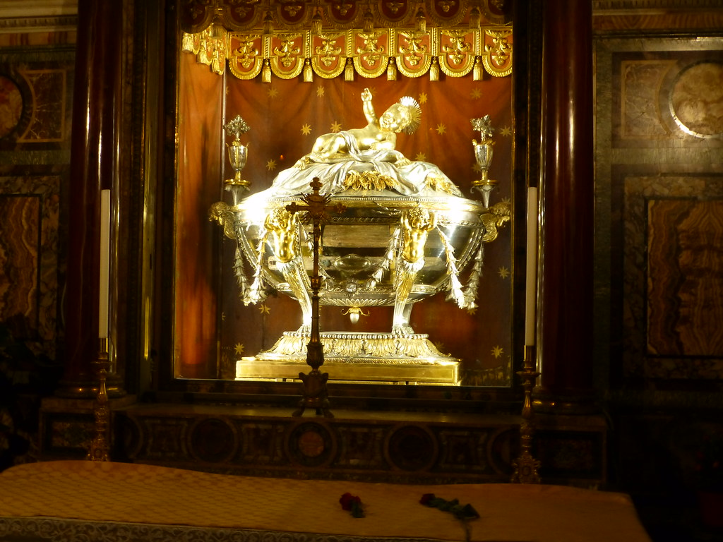 Reliquary containing wood from the Manger of Christ