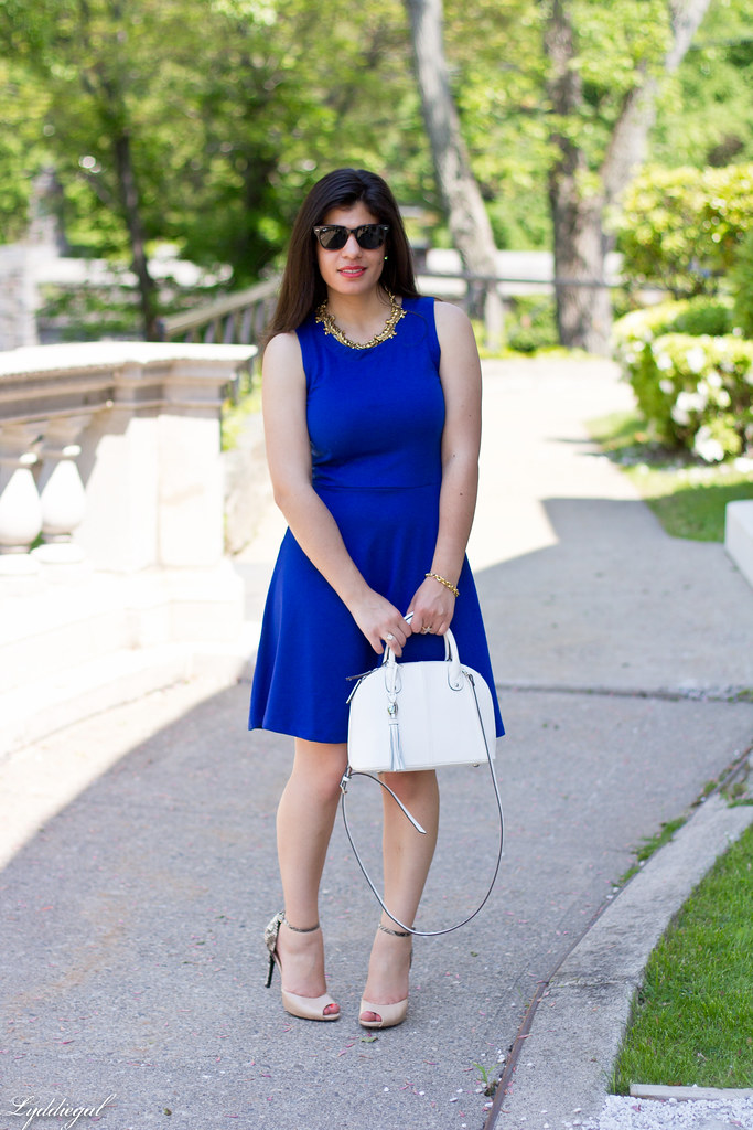 little cobalt dress, white bag.jpg