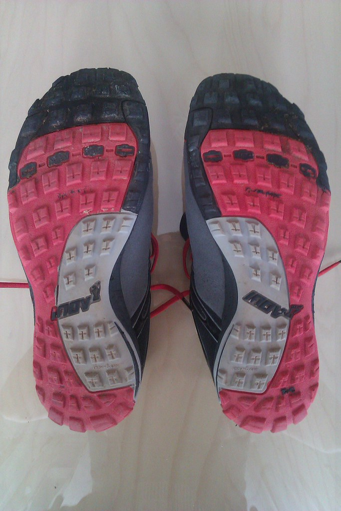 3035d94dae6 Η εξαιρετική πρόσφυση, λοιπόν, των trailroc 255 οφείλεται στον ειδικό  σχεδιασμό της εξωτερικής σόλας του παπουτσιού. Αυτή αποτελείται από τρία  είδη λάστιχου ...