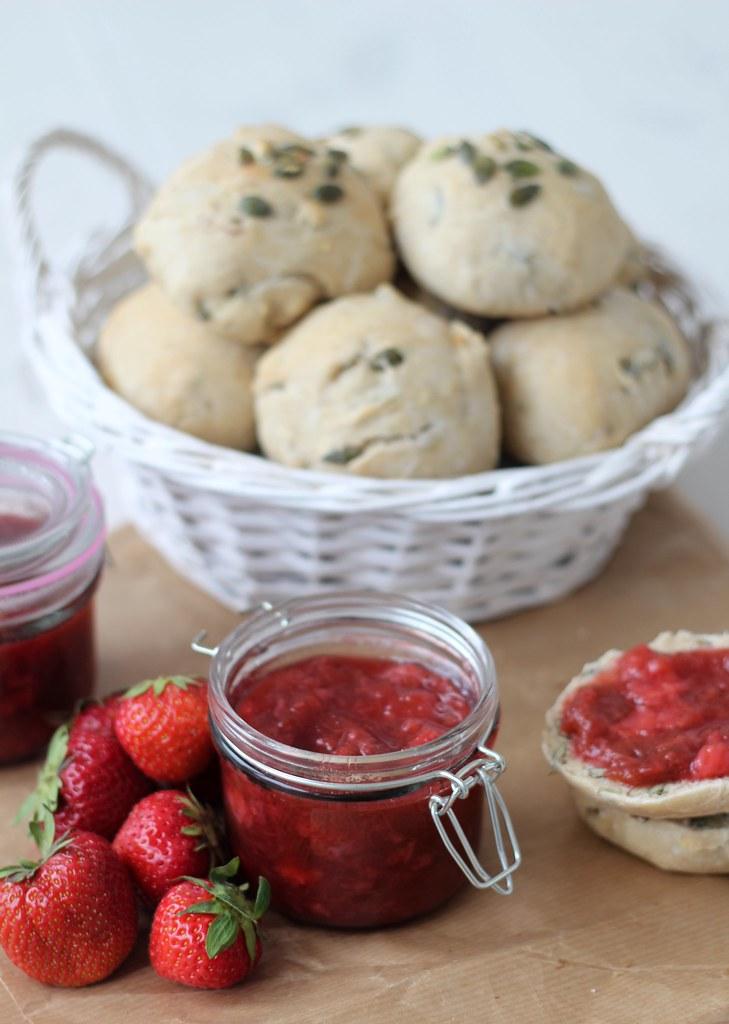 Jordbær-rabarber syltetøj (11)
