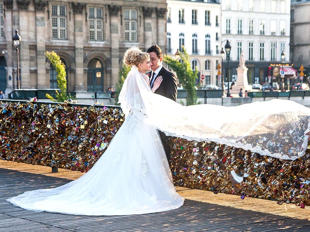 Les mariés aux cadenas