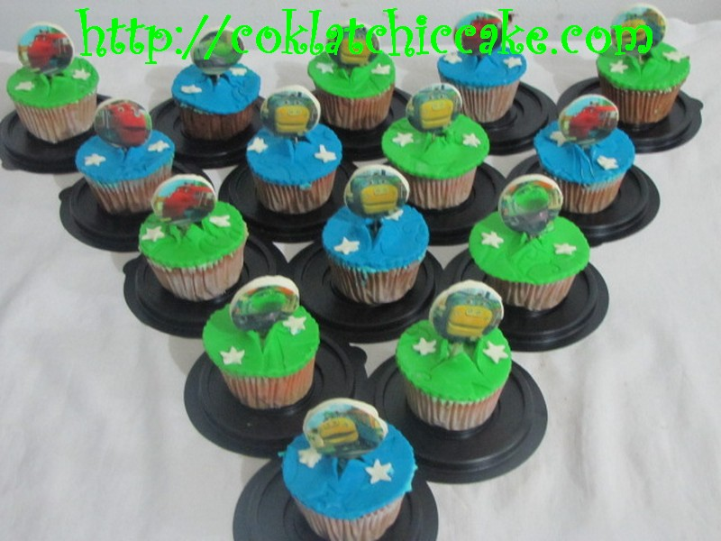 Cupcake edible image / cupcake chuggington