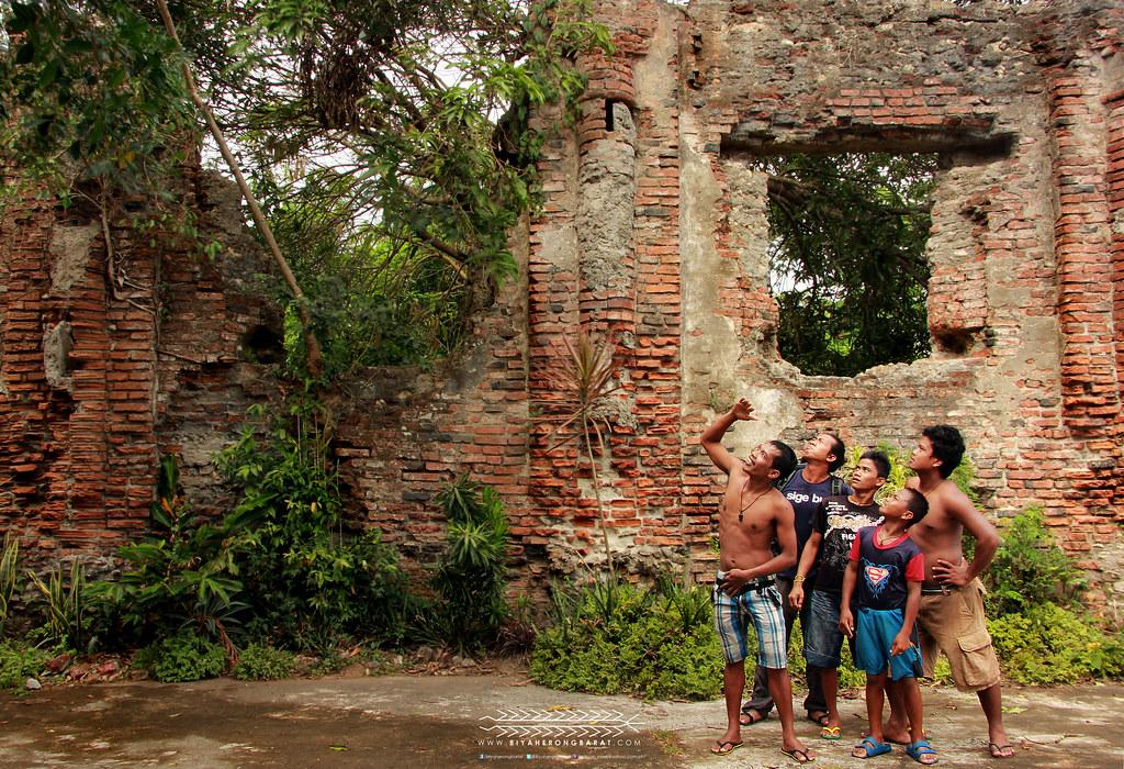 Locals of Camalaniugan Cagayan ruins st hyacinth church