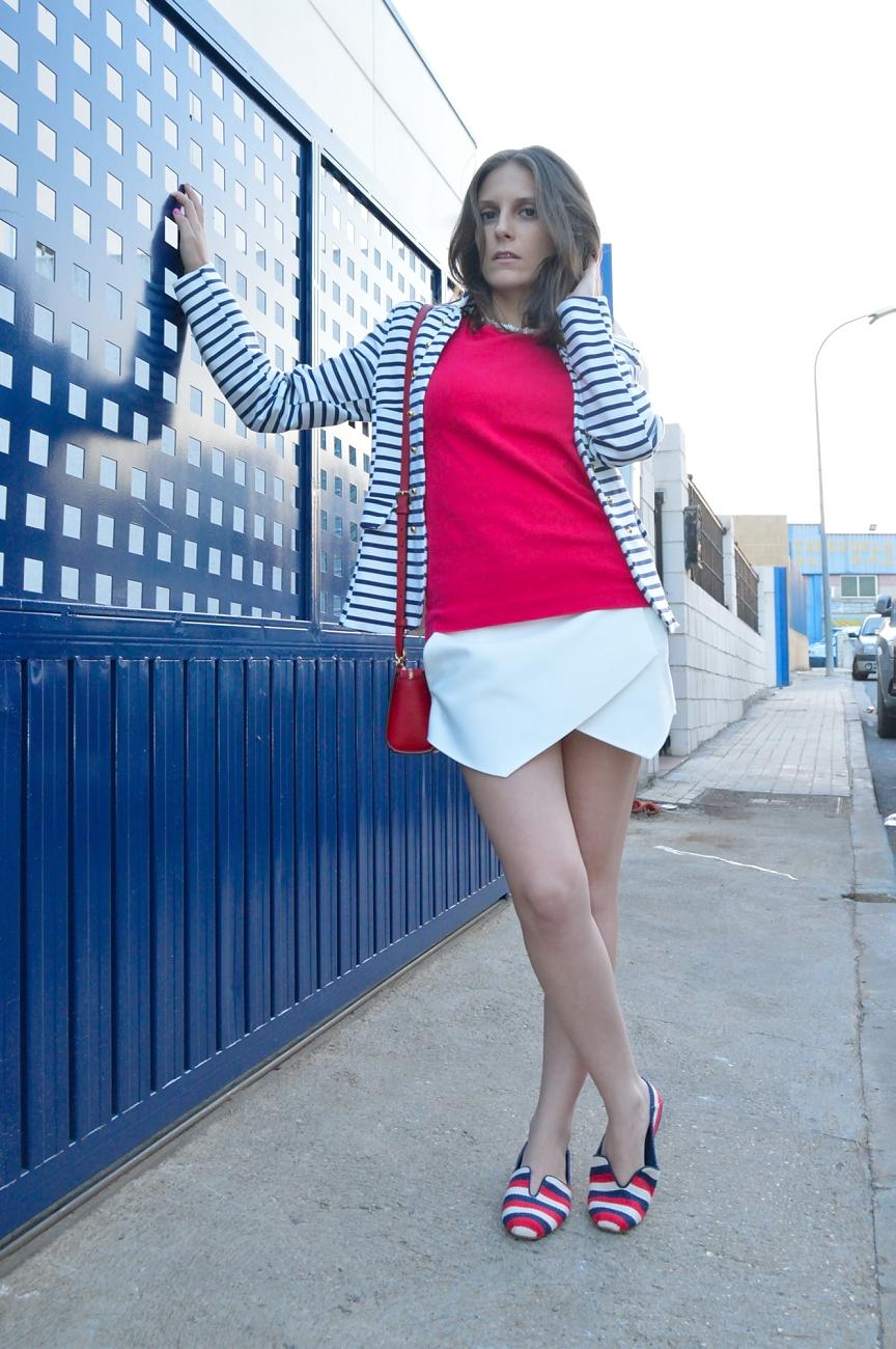lara-vazquez-madlula-blog-style-fashion-streetstyle-stripes-navy-look-summer