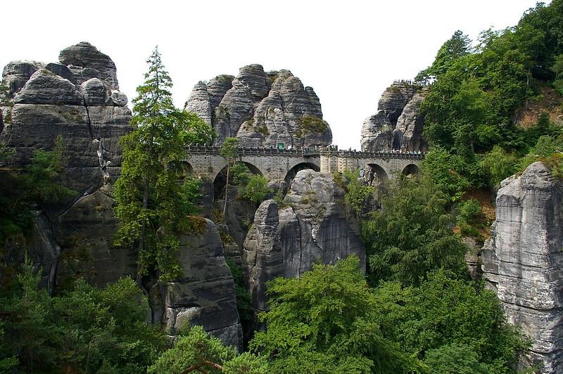 Міст Бастай