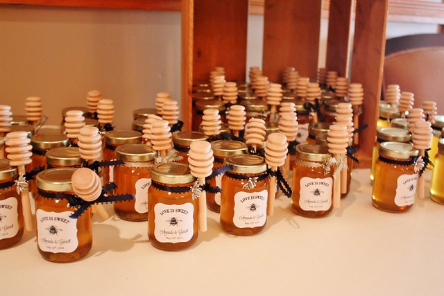 Wedding Gift Ideas For Friends Philippines : DIY Honey Jar Wedding Favors {Wedding Wednesday} - Life at Cloverhill