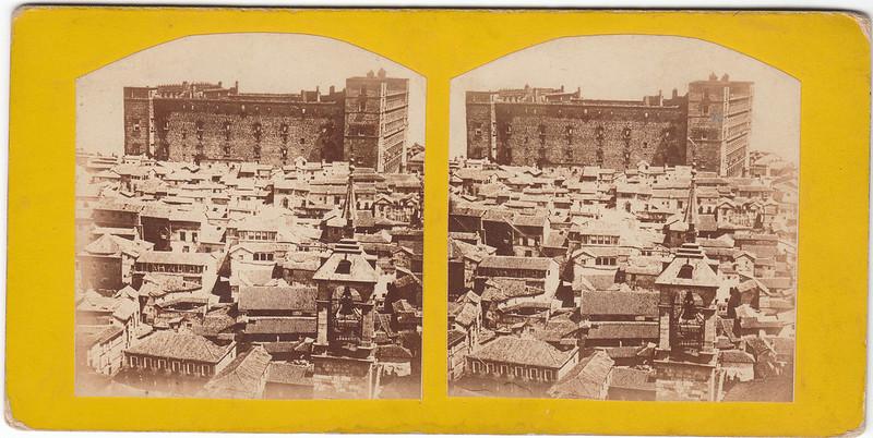 Vista del Alcázar desde la Torre de la Catedral hacia 1860. Puede verse el Primitivo Corral de Comedias. Colección Luis Alba