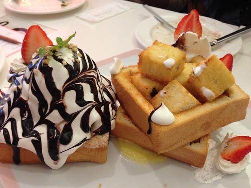 Dazzling Café-必點蜜糖吐司 (6)