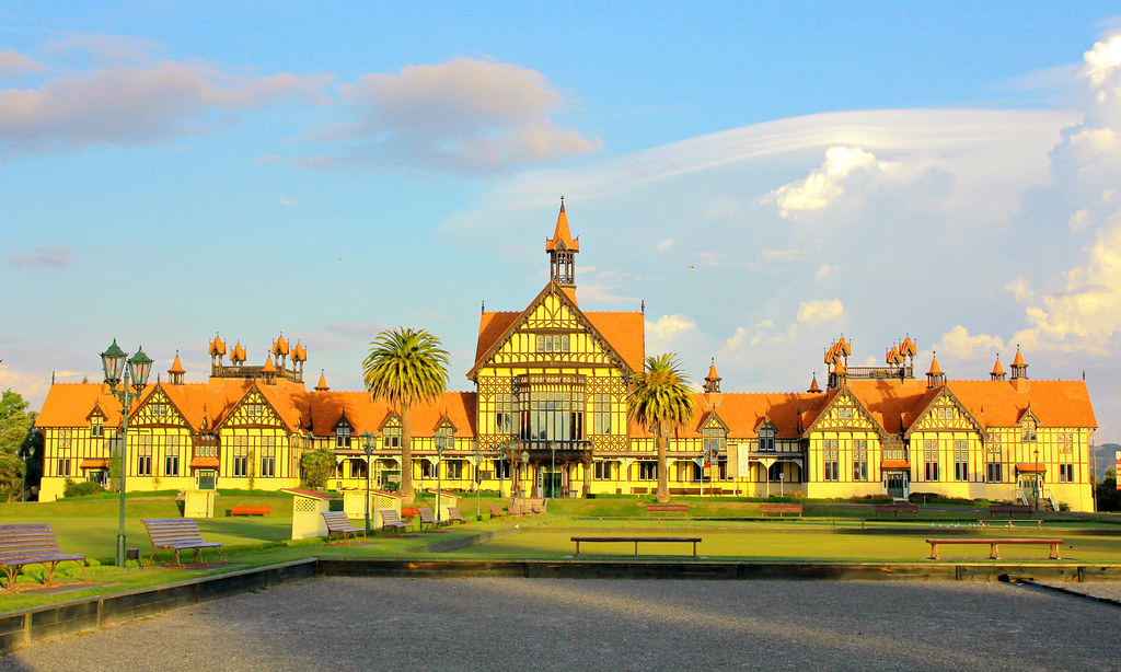 rotoroa-government-garden-museum-at-sunset