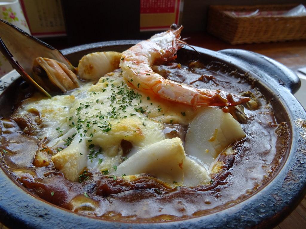 シーフードの焼きカレー辛さ2倍、ご飯の大盛り、ルーの大盛り
