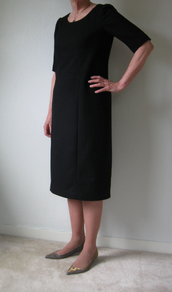 V8972 wool crepe dress side view