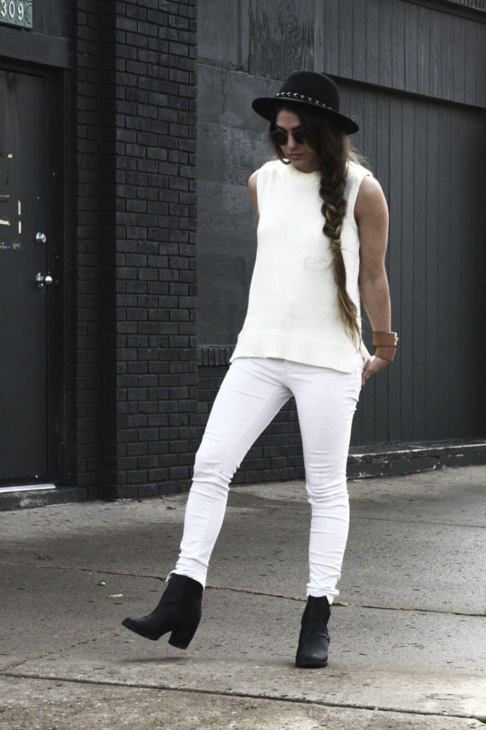 minimal white outfit modern fashion blog fringe of the cro