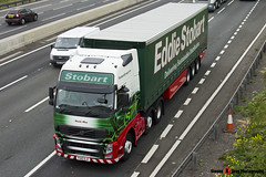 Volvo FH 6x2 Tractor with 3 Axle Curtainside Trailer - PX10 DJZ - H4502 - Neola May - Eddie Stobart - M1 J10 Luton - Steven Gray - IMG_4797