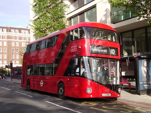 London United LT154 on Route 10, Kensington Olympia