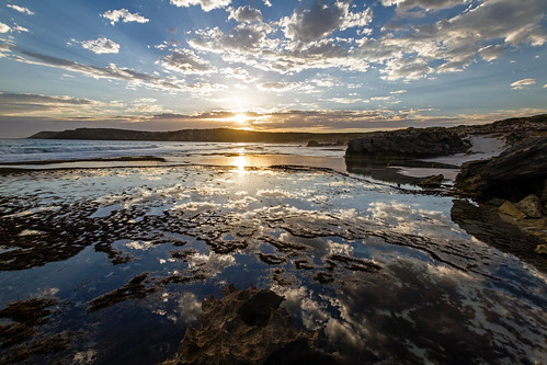 sunset sea mer seascape reflection beach rocks eau day waves australia reflet adelaide vagues plage coucherdesoleil rochers australie oceania oceanie pwpartlycloudy