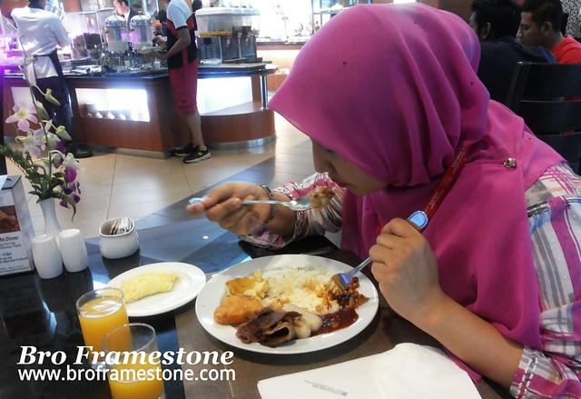 Breakfast Concorde Inn KLIA